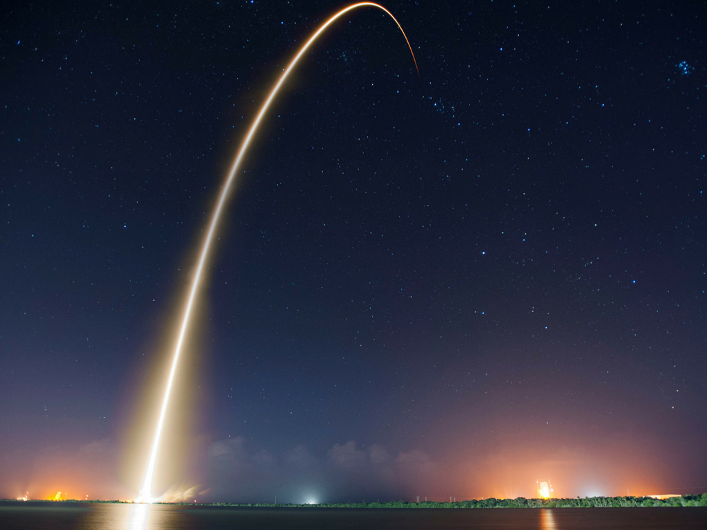 What is Jeff Bezos' New Glenn rocket, and what will it do?